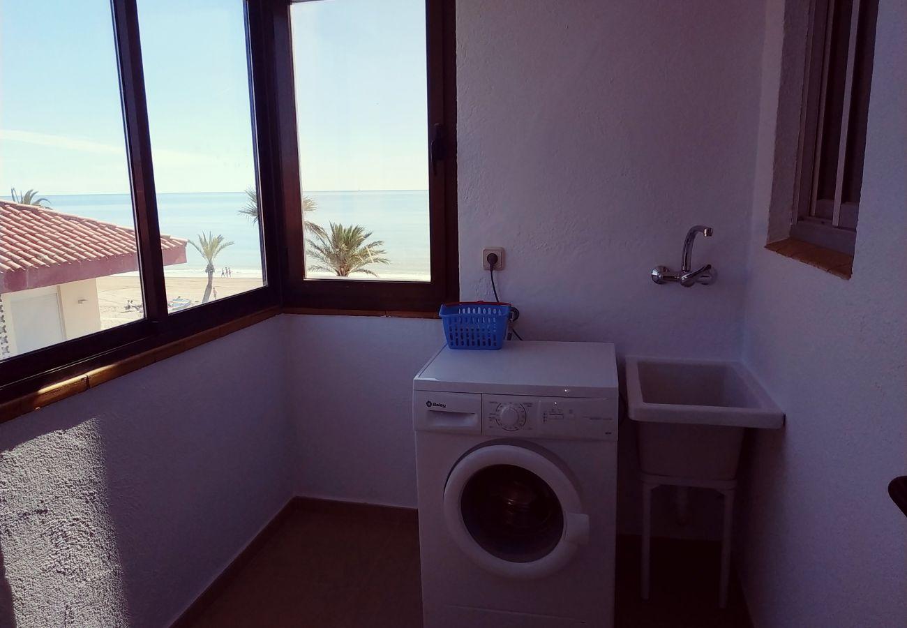 Galería lavadero exterior de los apartamentos