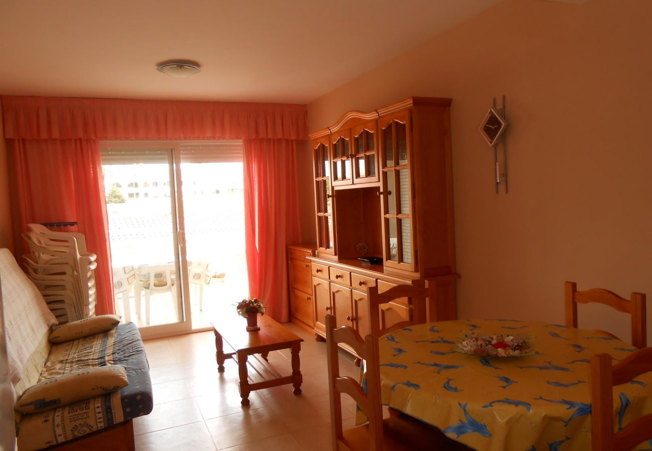 apartamento cerca de la playa, ideal familias, piscina, terraza, parking