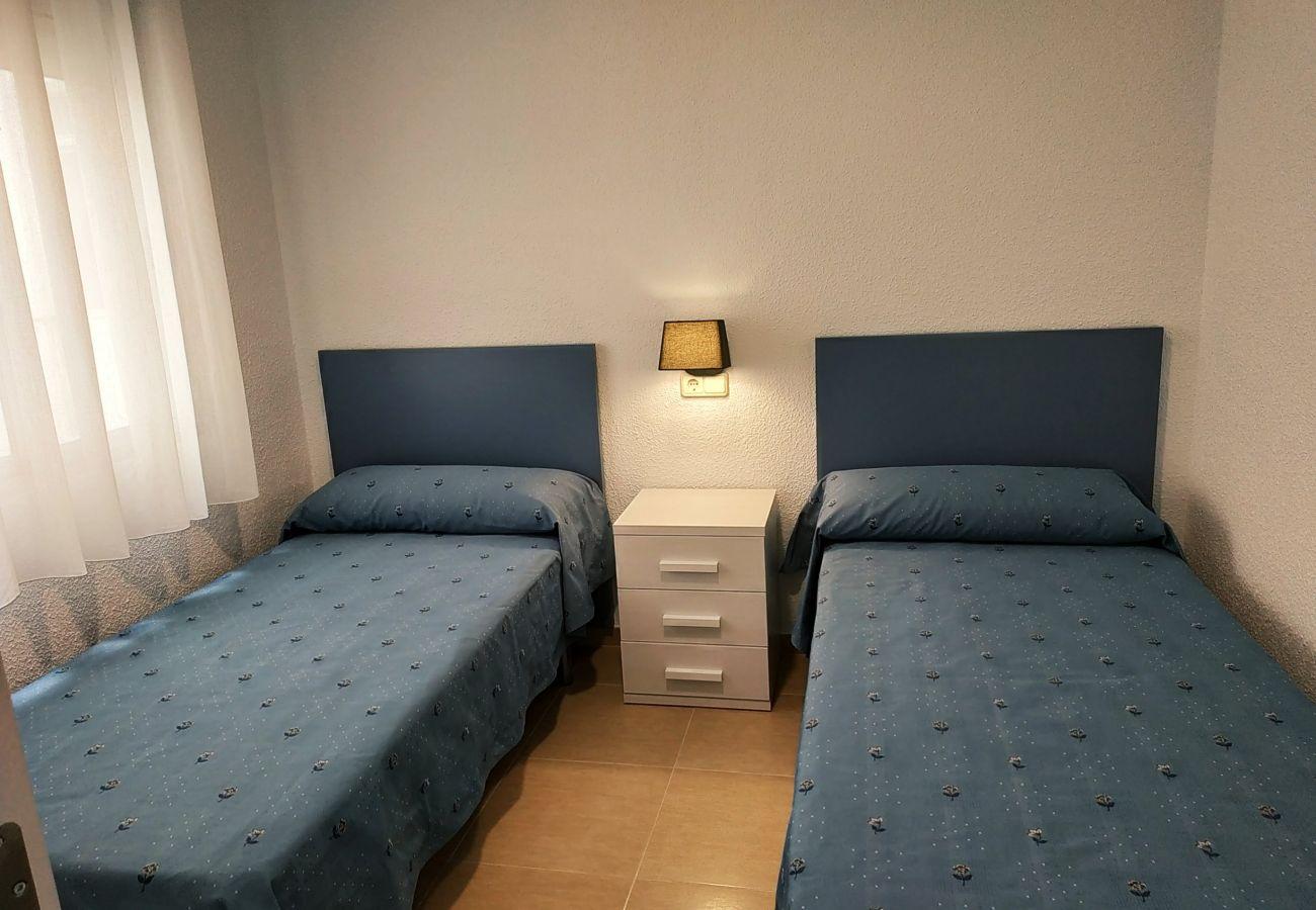 dos dormitorios, playa, primera línea de playa, ideal familias