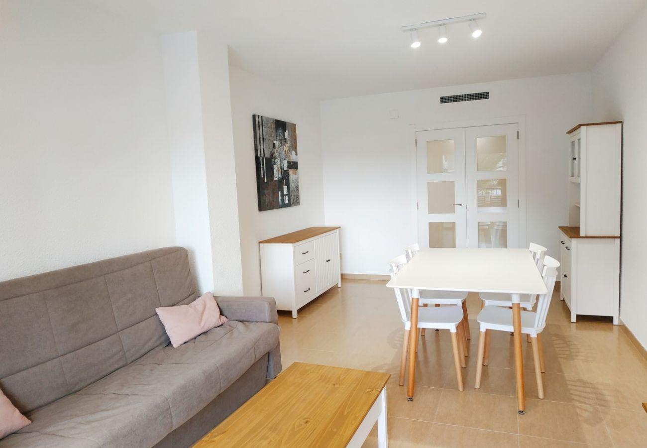 apartamento amplio, playa, primera línea, ideal familias, renovado