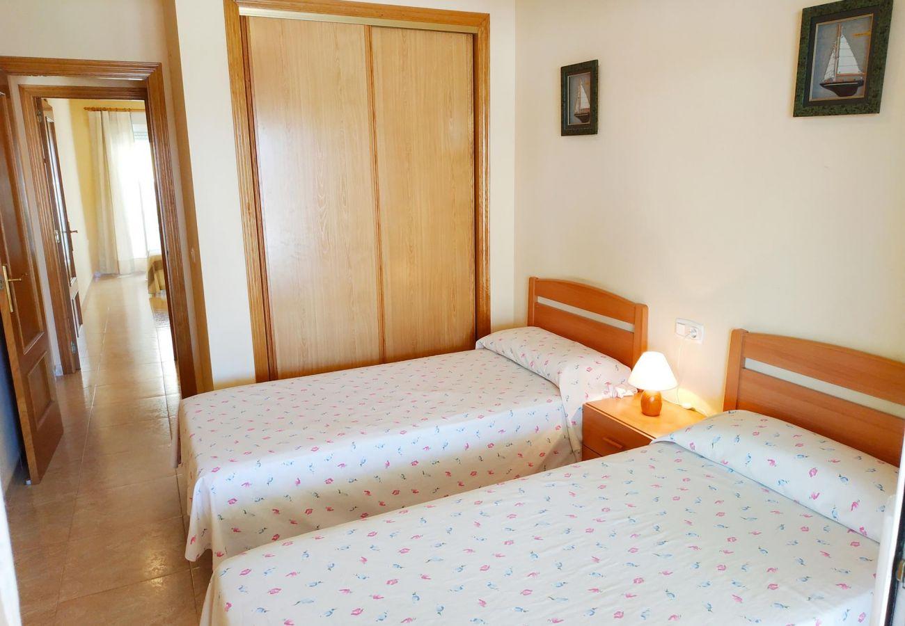 dos habitaciones, apartamentos nuevos, ideal familias, playa, piscina, parking