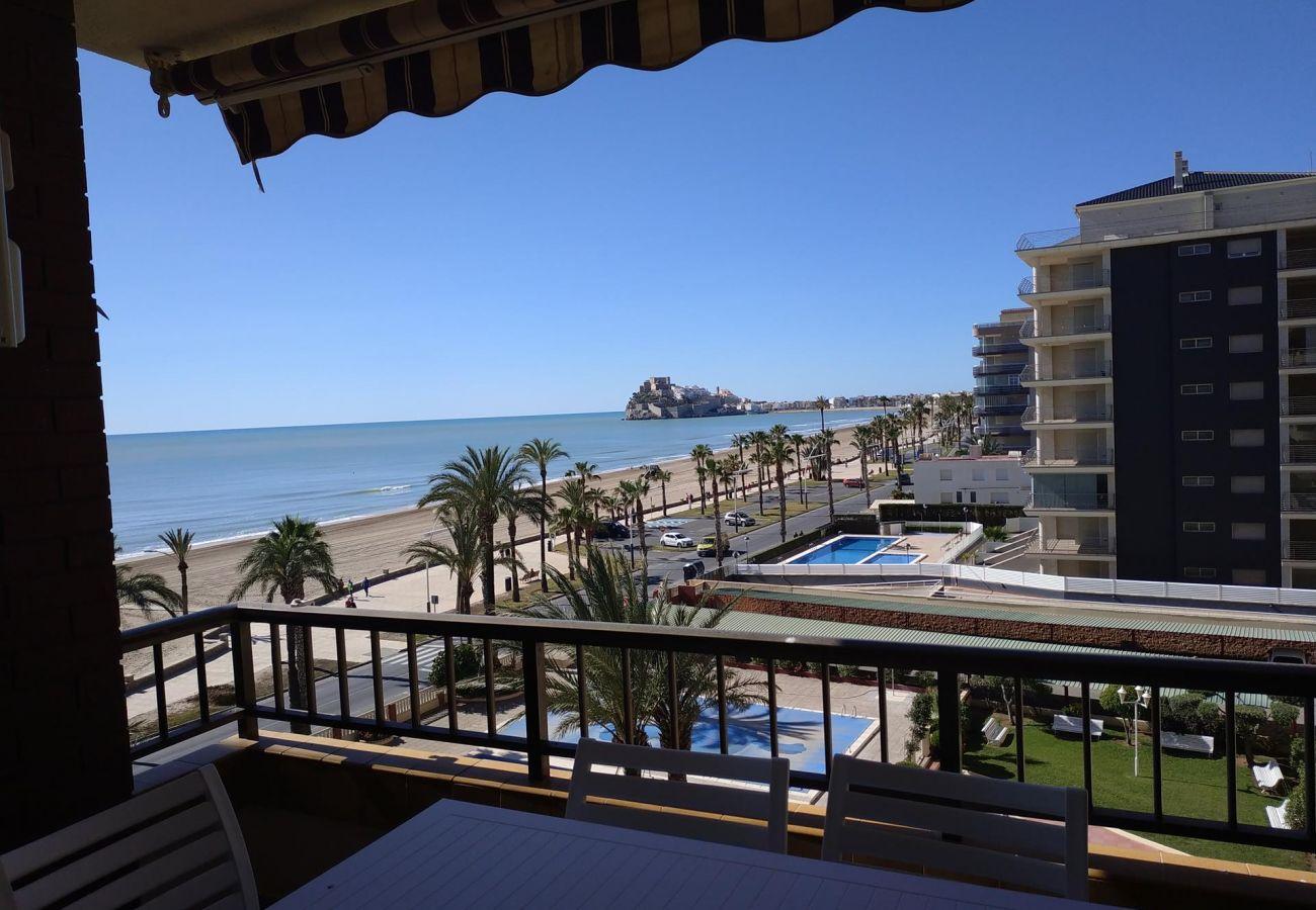 views sea, castle, beach, family, children