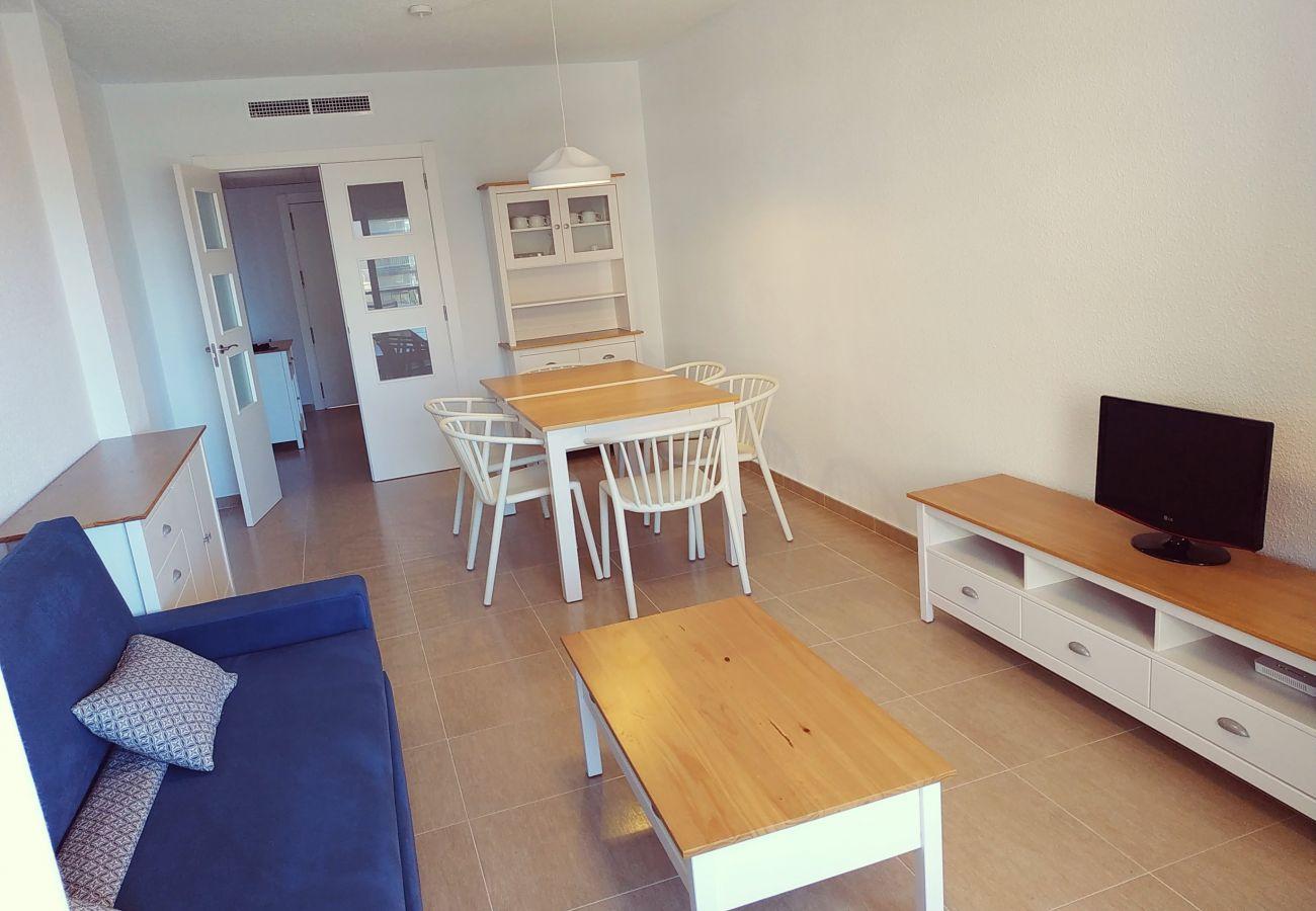 appartement spacieux, plage, première ligne, idéal pour les familles, rénové