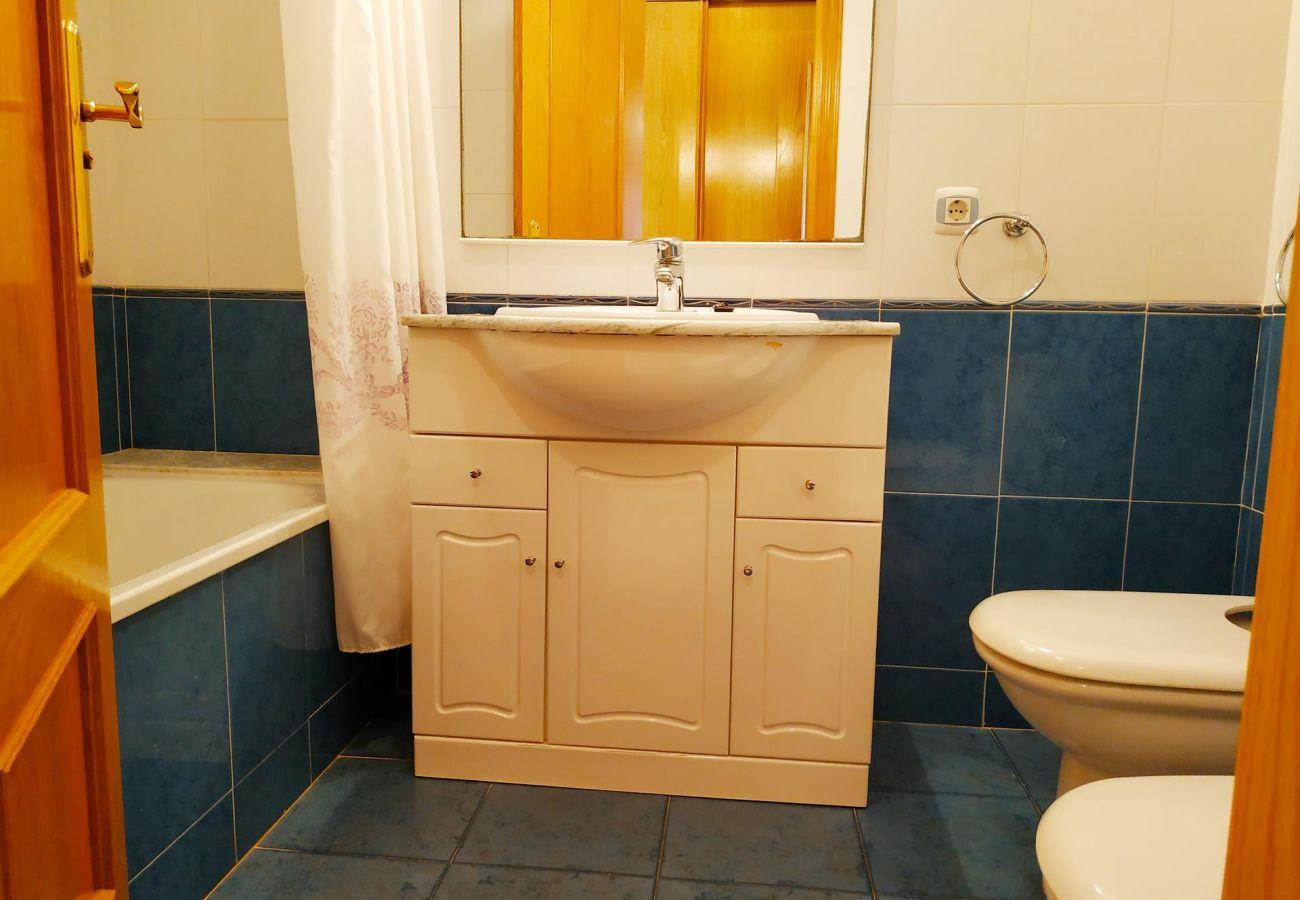 appartements neufs avec deux salles de bain, plage, famille, enfants, piscine